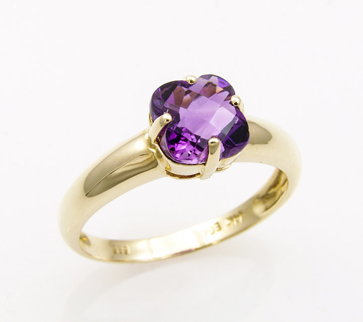 yellow gold with lily cut amethyst ring