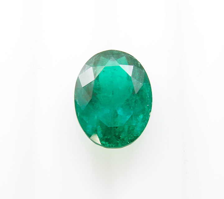 oval shaped Colombian emerald