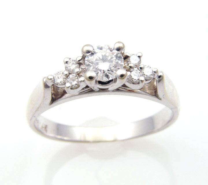 white gold engagement ring brilliant clarity